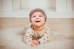 תינוק זוחל
