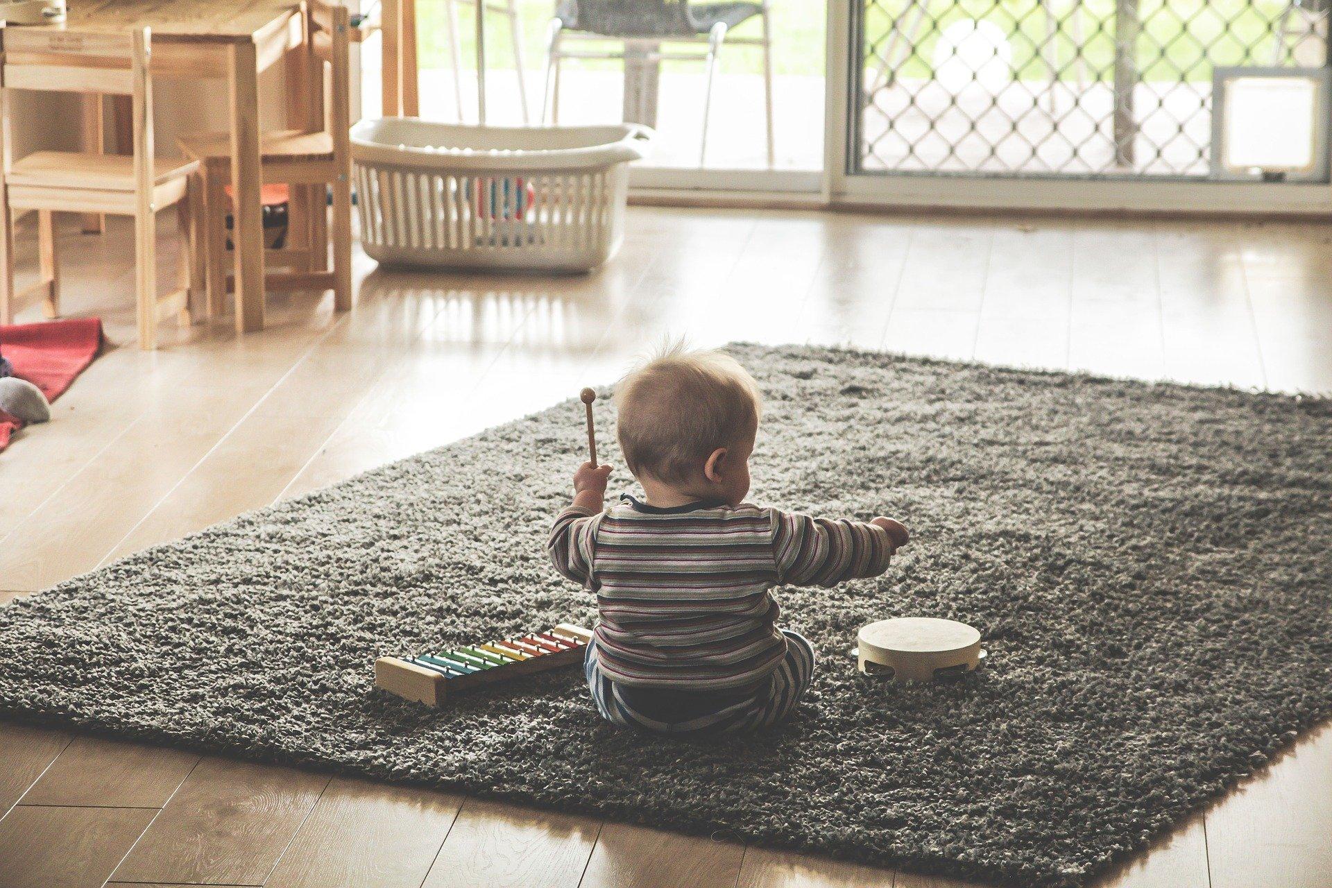 יש תינוק בבית? איך להכין את הבית לקראת החורף